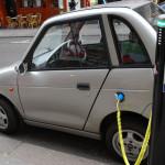 【801号】米電力会社が、コストを顧客に押し付けてまで電気自動車充電ステーションの建設を急ぐ理由とは?